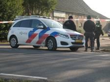 Politie rukt uit voor inval op erf in Zevenhuizen en vindt 'aanzienlijke hoeveelheid' hennep