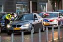 Politiecontrole op en rondom de Arnhemse Rijnkade.