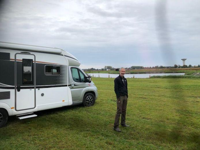 Een camper op het terrein van De Roste Muis.