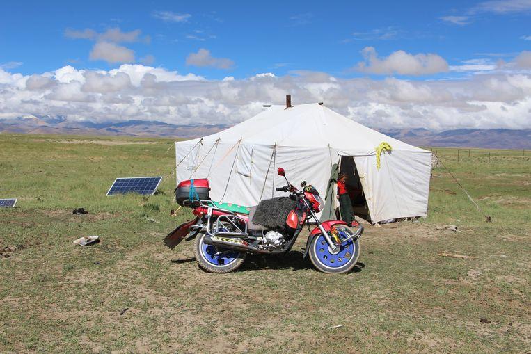 Ook nomaden gebruiken zonnepanelen.  Beeld RV