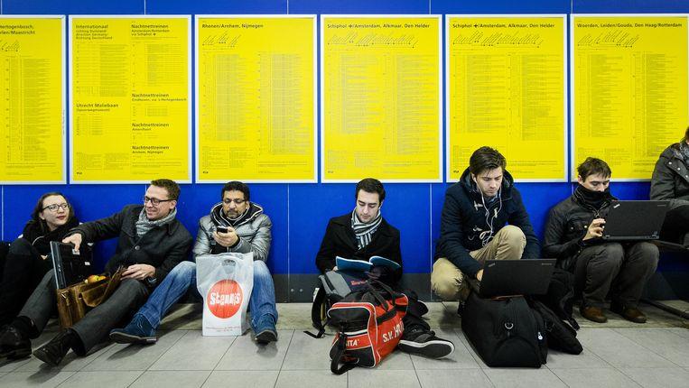 Reizigers op Utrecht Centraal begin deze maand. Beeld anp