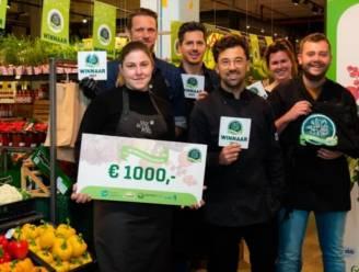 """Versmarkt Van Eccelpoel wint titel 'Groentevakman': """"Trots op kleurrijke marktje waar Belgische groente- en fruitsoorten de show stelen"""""""