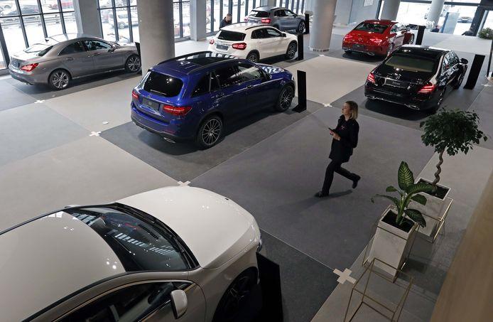 Vervuilende auto's worden duurder. Hoe hoger de CO2 uitstoot van een auto hoe hoger de bpm belasting.