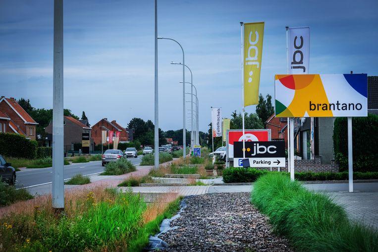 Baanwinkels op N10 van Lier naar Aarschot. Beeld Tim Dirven