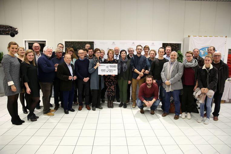 Serviceclub Fifty One Halle deelde 15.000 euro uit aan sociale organisaties om hun projecten uit te werken.