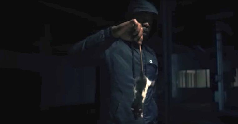 Screenshot uit Gangster Love. Beeld YouTube