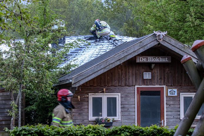 Blusschuim op het dak van de woonvoorziening in Emmeloord.
