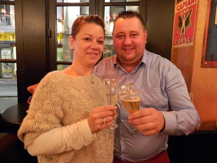David Christiaens en Petra Lecluyse van Souffleur in Kortrijk klinken op de heropening van de horeca op 1 mei.
