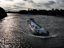 Maas Midden-Limburg gestremd na aanvaring vrachtschepen
