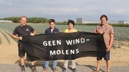 """Electrabel dient nieuwe aanvraag in voor twee windmolens, maar actiecomité laat weer van zich horen: """"Niks tegen groene energie, maar niet op deze plaats"""""""