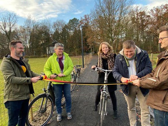 De fietsverbinding werd maandagmiddag officieel ingehuldigd
