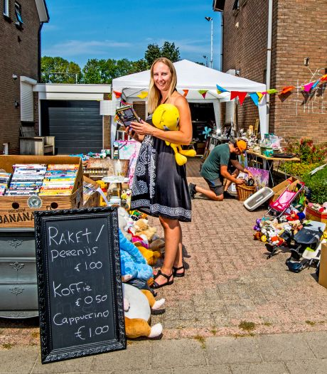 """Elk dorp een tuintjesmarkt: ,,In je eentje op een kleedje zitten is natuurlijk niks."""""""