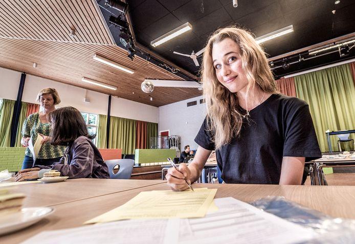 Joyse van den Ende (19).