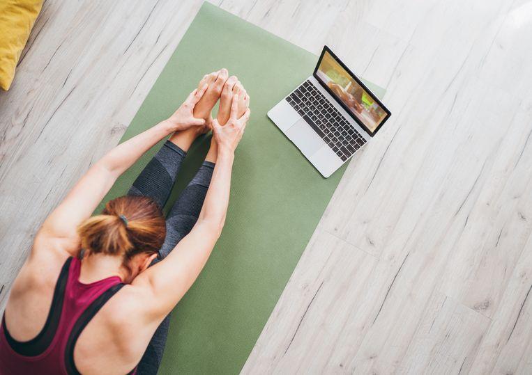 Déze 6 yoga poses zijn ontzettend goed voor je brein Beeld Getty Images/iStockphoto
