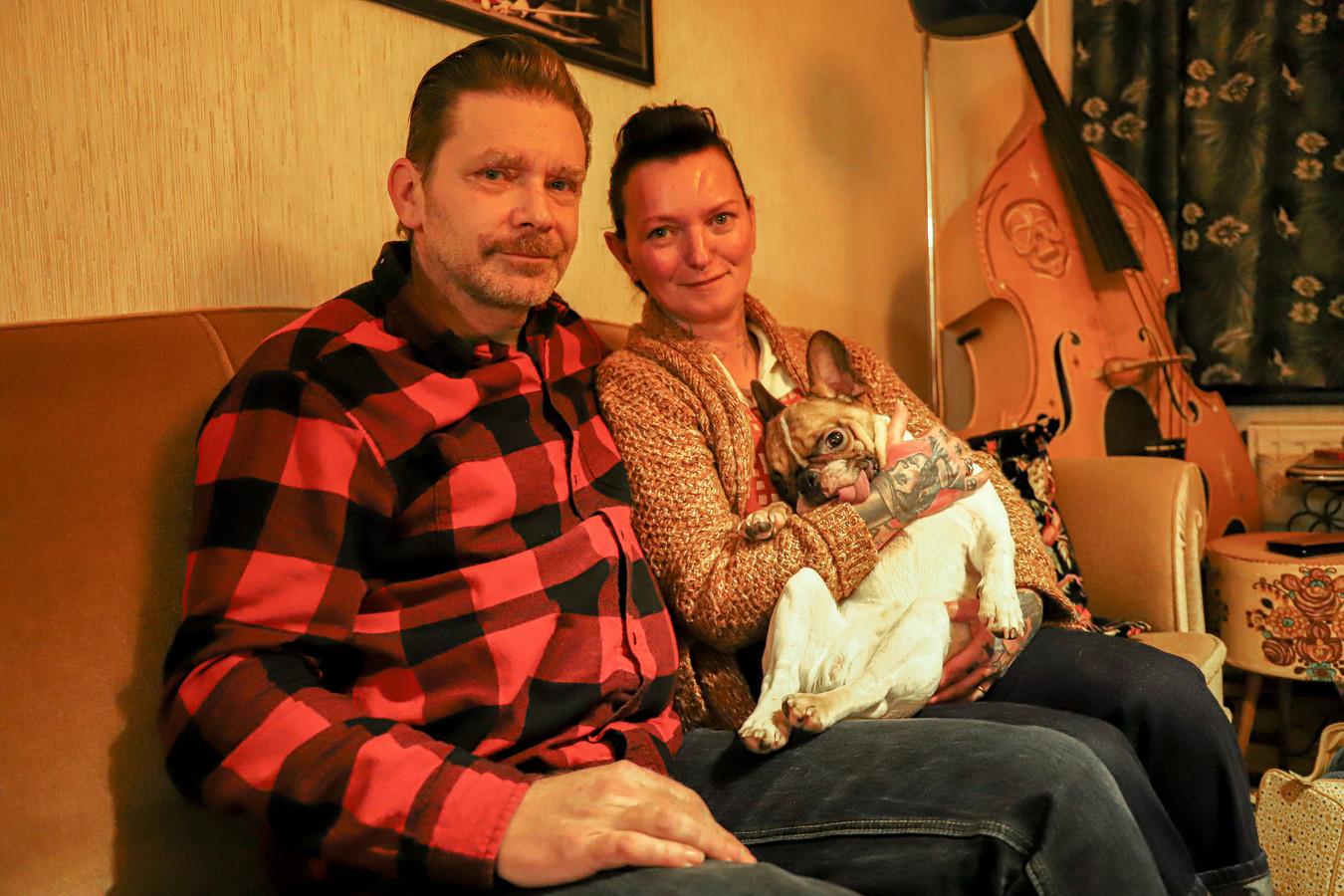 Geert Sterckx, Kathleen De Breucker en Franse Bulldog Hippolyte.