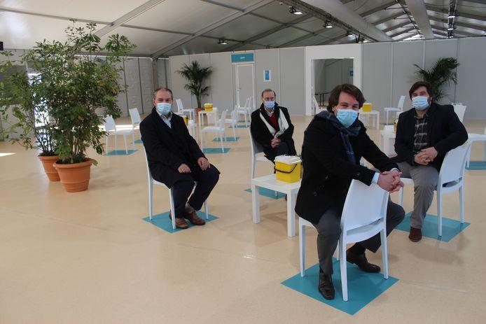 Ook het vaccinatiecentrum Hoge Wal in Ertvelde draait nog op volle toeren.