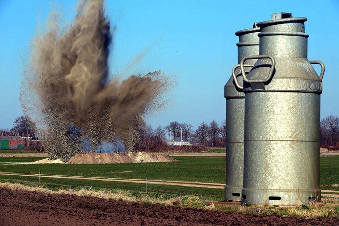 Heerle - 20210302 -Pix4Profs / Peter van Trijen gevonden granaten op zonnepanelenveld tot ontploffing gebracht