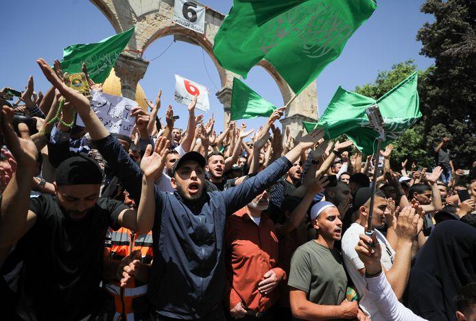 Palestijnen protesteren tegen de uitzetting van Palestijnse families.