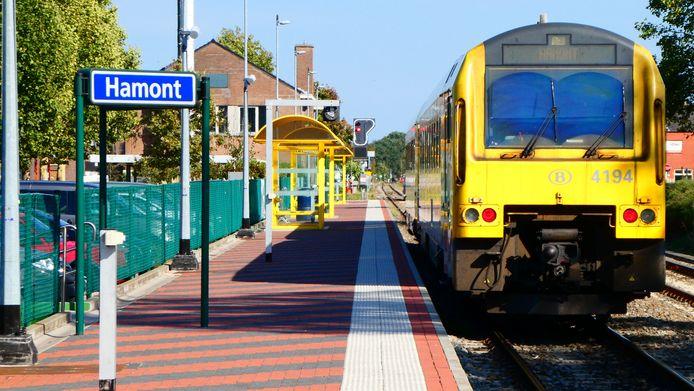 Het station in Hamont, hier nog zonder elektriciteitskabels.