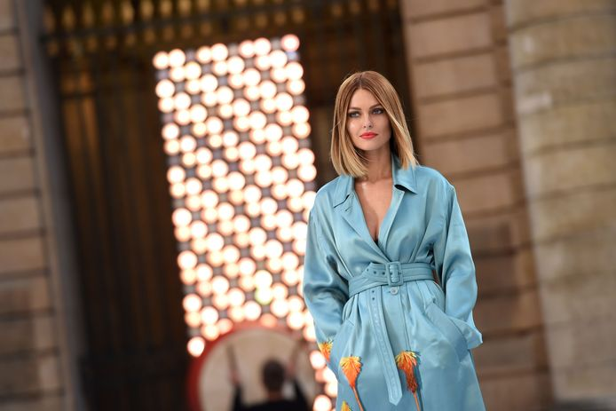 Caroline lors du défilé L'Oréal Paris.