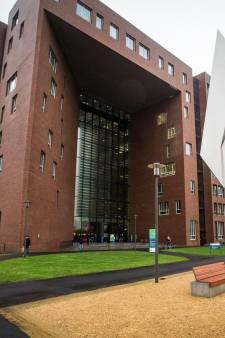 Corona-paniek in de LaptopShop van Wageningen Universiteit: waarschuwingsbordje valt verkeerd