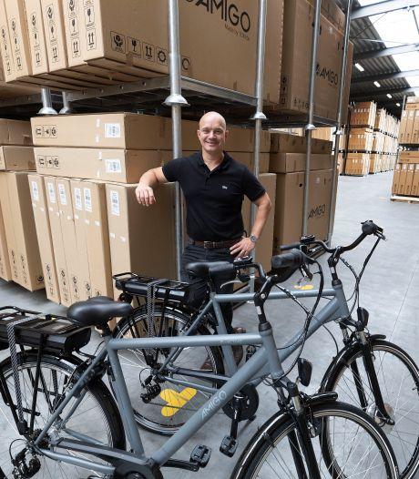 Fietsenwinkelier Tom (38) groeide uit tot de webshopkoning uit Bladel: zijn bedrijf TOM wordt nu een merk