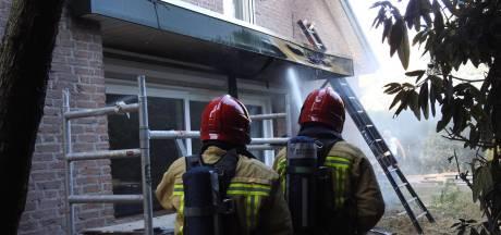 Brand zorgt voor schade aan dak bij woning in Waalre