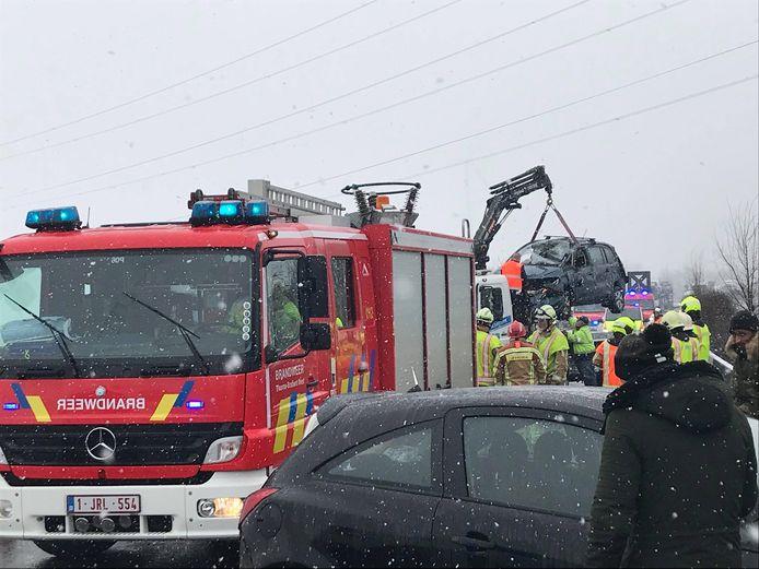 Er wordt momenteel getakeld op de E429 nadat er een ongeval gebeurde richting Doornik.