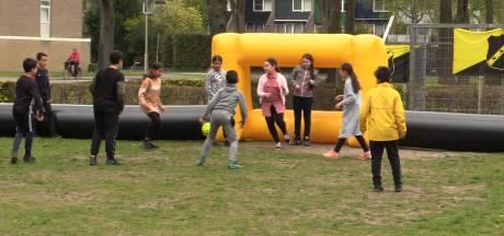 Jongeren vermaken zich prima op NAC Fundag