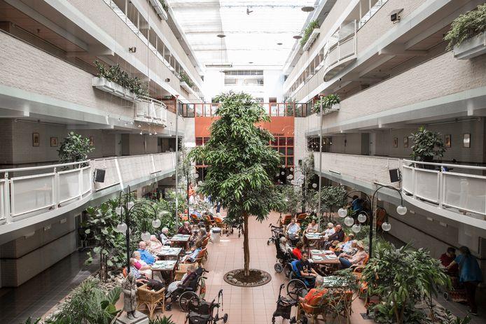 Beth Shalom is een zorgcentrum met de Joodse identiteit in Amsterdam-Buitenveldert.