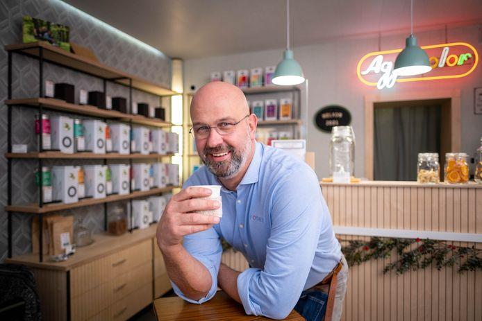Fotograaf Marc Vanraes opent Fothee in de Hoogstraat in Puurs.