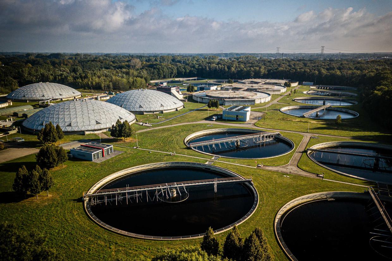 Een luchtfoto van rioolwaterzuivering RWZI in Eindhoven.