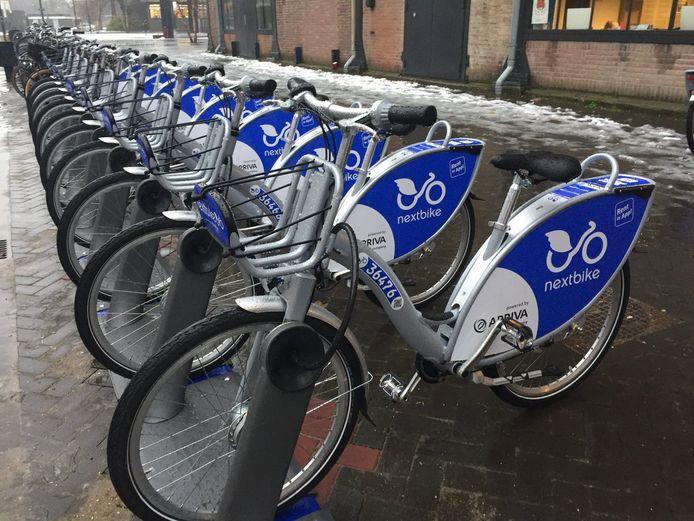 Bij het Energiehuis in Dordrecht staan al jaren deelfietsen klaar voor gebruik.