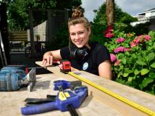 Loopbaancoach Merel (28) volgt haar eigen advies op en wordt klusvrouw: 'Dít is wat ik wilde'