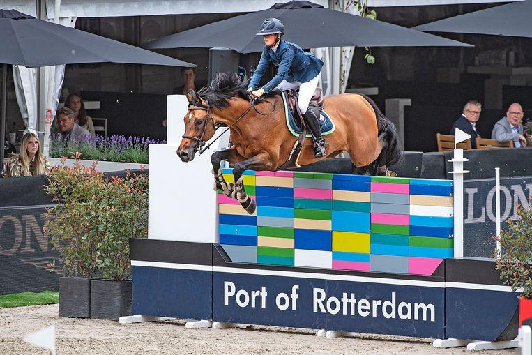 Thijssen heeft weinig trek om haar oude paard aan de olympische onderneming bloot te stellen. Beeld Guus Dubbelman / de Volkskrant