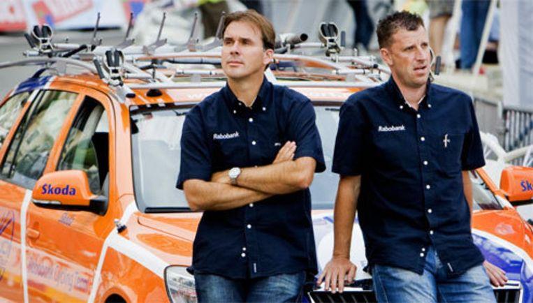Na de veertiende etappe van de Ronde van Frankrijk uitte Breukink (l) voor het eerst zijn ongenoegen over de matige prestaties van zijn ploeg. Archieffoto ANP Beeld