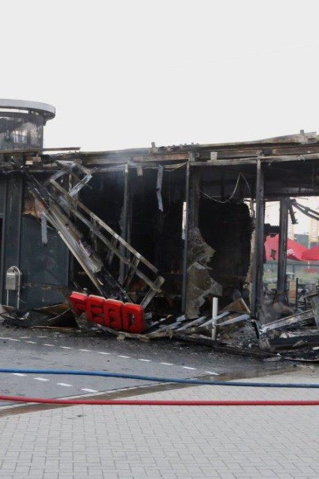 FEBO in vlammen op, ondernemers Woonboulevard gaan uit van gerichte actie: 'Er gebeurt hier nooit wat'