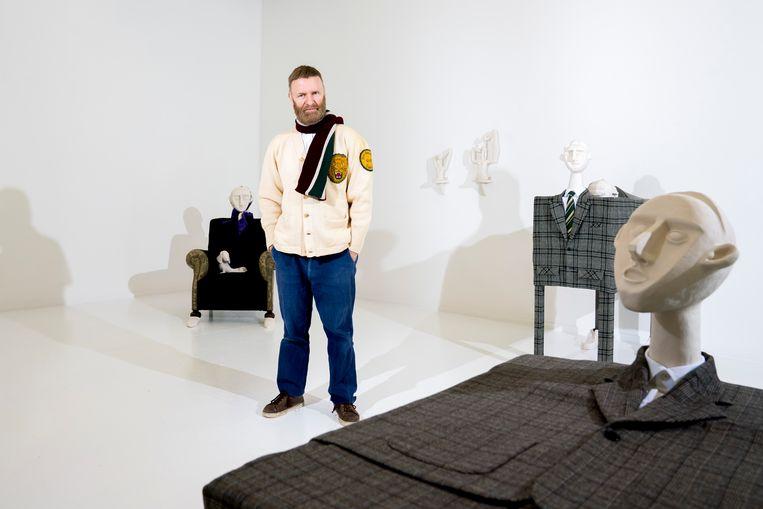 Van Saene: 'Soms heb ik de indruk dat de jonge generatie modeontwerpers de kracht mist. De passie.' Beeld © Stefaan Temmerman