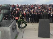 Herdenking bevrijding bijna als vanouds, maar niet bij landingsmonument
