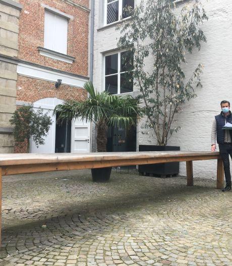 Man betaalt 200 euro voor IKEA-bureaulamp van 20 euro bij veiling inboedel JJ House