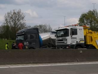 Vrachtwagens rijden op elkaar in: bestuurder (37) overleden, Brusselse Buitenring weer vrijgegeven