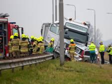 Agent uit Maassluis (30) overleden bij verkeersongeluk, zijn vrouw en collega zwaargewond