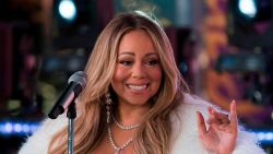 "Presentator doet boekje open: ""Mariah Carey eiste 12 puppy's in kleedkamer"""