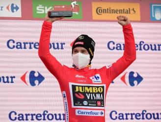 """Vuelta-winnaar Roglic stond flink onder druk: """"Nooit gepanikeerd en gewoon blijven trappen"""""""