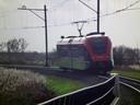 Vijfheerenlanden roept op om de bus aan te laten sluiten op de MerwedeLingelijn bij station Leerdam.