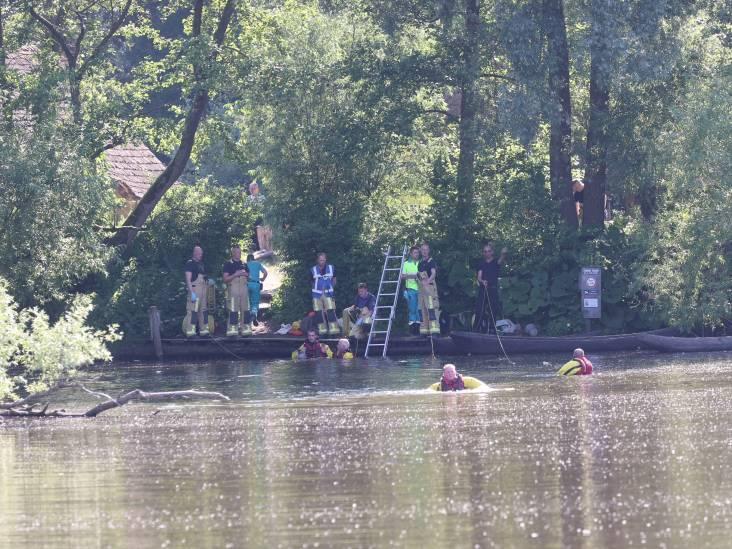 Man met spoed naar ziekenhuis nadat hij uit het water is gehaald in Eindhoven, duikers zoeken kind