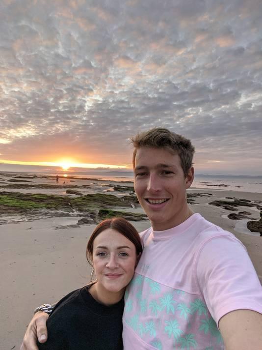 """Freek Bergkotte uit Huissen woont met vriendin Hayley in de Schotse stad Glasgow. ,,De maatregelen zijn hier de afgelopen maanden steeds strenger geworden."""""""