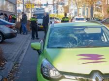 Fietser geschept door auto op Isselt