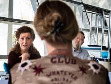 Minister biedt luisterend oor bij studenten verpleegkunde Summa College in Eindhoven