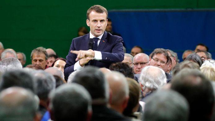 Emmanuel Macron à Grand Bourgtheroulde ce mardi 15 janvier.